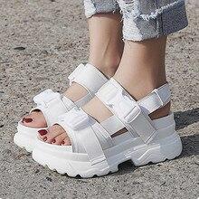 Летние женские босоножки с пряжкой; цвет черный, белый; удобные сандалии на платформе; женская пляжная обувь на толстой подошве; 393w