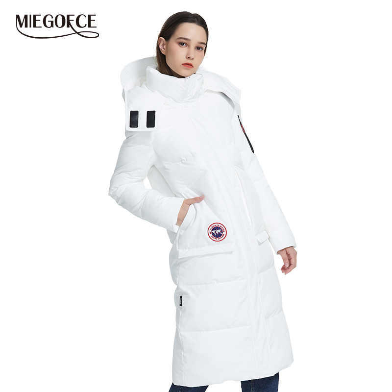 MIEGOFCE 2019 Новый дизайн зимнее пальто женская парка утепленная свободного кроя длина ниже колен дутые куртки с карманами Повседневная Свободный Стиль стойкий воротник с капюшоном