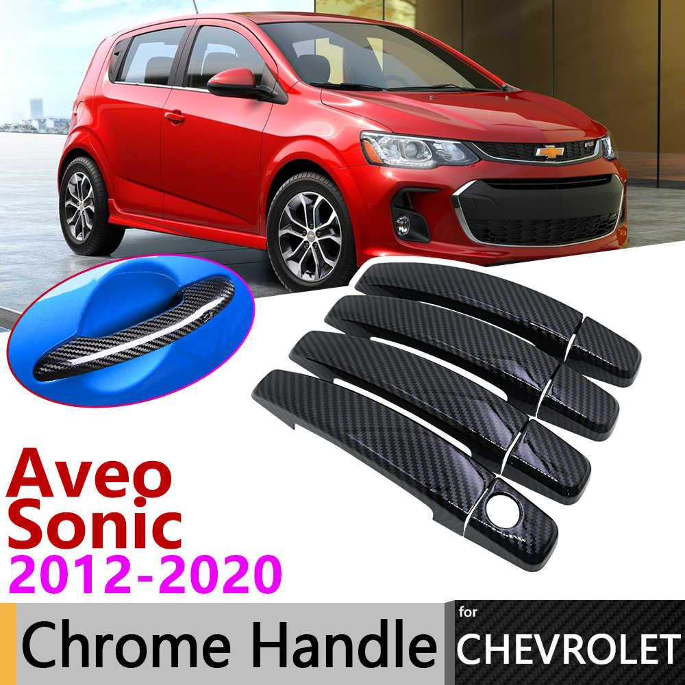 Siyah karbon Fiber kapı kulp kılıfı Opel Chevrolet Sonic Aveo Barina 2012 ~ 2020 2013 2014 2015 2016 2017 2018 2019 aksesuarları çıkartmalar Trim seti krom