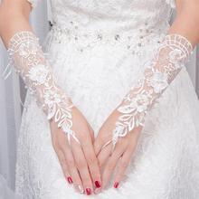 Lace Flower Bride Gloves Hollow Out Women Fingerless Bridal Gloves Short Wedding Glovesfor Women Bride Wedding Accessories