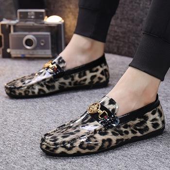 Buty wsuwane męskie modne buty męskie letnie wygodne wsuwane męskie mieszkania mokasyny obuwie męskie lakierki męskie obuwie tanie i dobre opinie AIKE Asia Sztuczna skóra OUTDOOR CN (pochodzenie) Lato Buty casualowe RUBBER Sznurowane Dobrze pasuje do rozmiaru wybierz swój normalny rozmiar