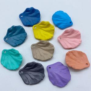 Popularny obraz kolorowy akrylowy kształt kapusty diy z koralików modne luźne plastikowe koraliki nadające się do akcesoria do biżuterii 18x20mm y1556