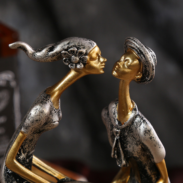Kiss Couple Figurine Resin Handcarfts Lovers Statue Figurine Home Decoration Original Design Love Handicraft for Office Decor 5