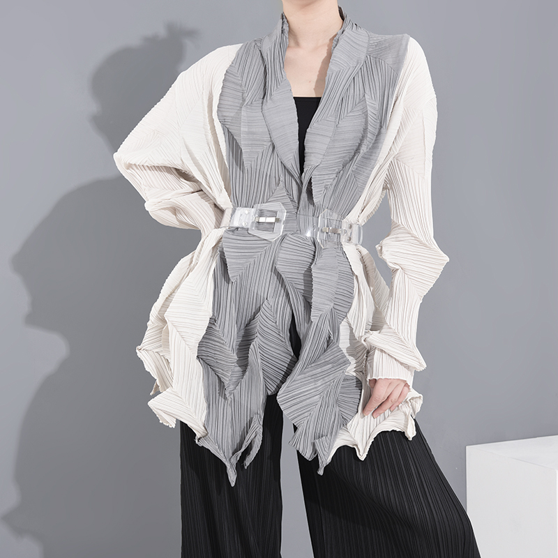 LANMREM 2020 New Spring And Summer Turn-down Collar Full Sleeves Contrast Crolors Pleated Loose Oversized Cardigan PC23812