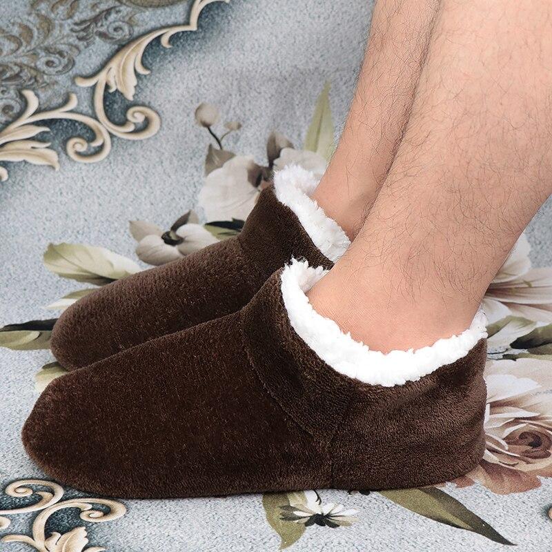 Maison pantoufles mâle grande taille 48 hiver pantoufles pour hommes daim en peluche chaussures de sol chaussures paresseux doux chaud chaussettes pantoufles