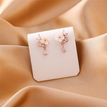 2019 Korean Crystal Flower Stud Earrings For Women Plant Fashion Jewelry Sliver Simple Design Rhinestones