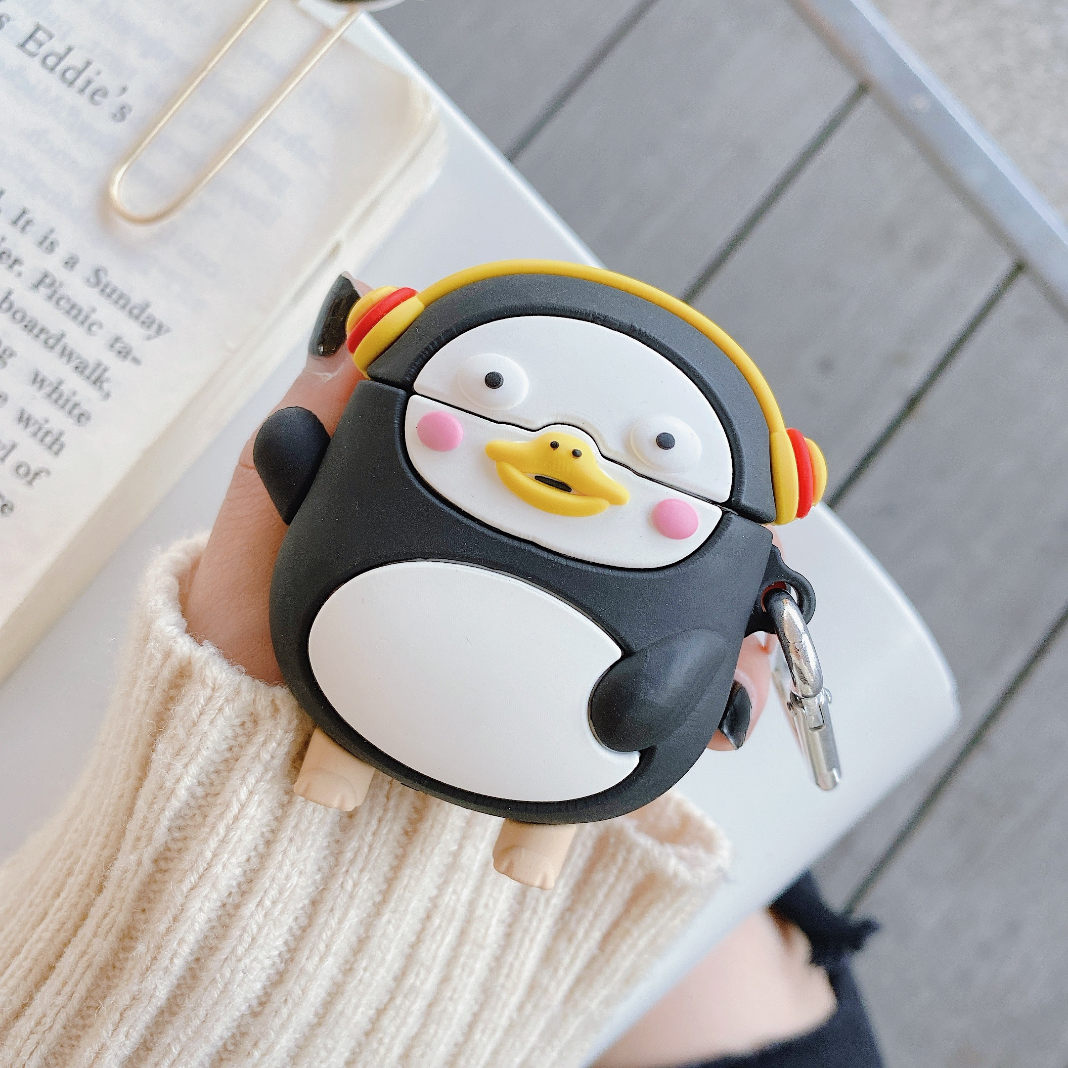 For Apple AirPods Pro Cartoon Cute Dynamic Penguin Headphone Case For AirPods 1 2 3 Bluetooth Wireless Earphone Cover With Hook