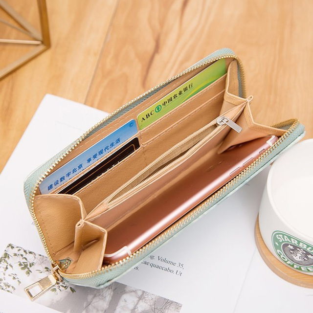 Casual Marble Wallet