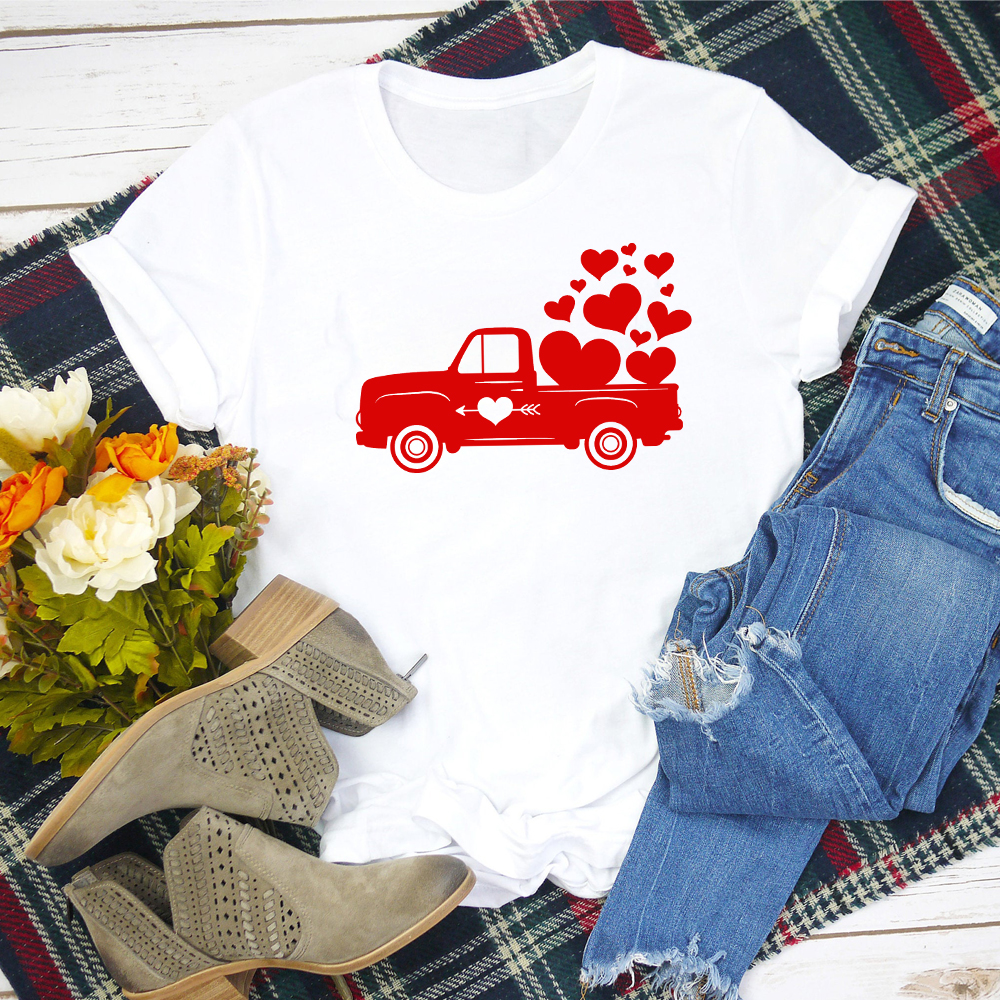 Valentine Red Truck With Hearts T-shirt Cute Women Valentine's Day Gift Tshirt Aesthetic Graphic Grunge Cotton Tees Tops Outfits