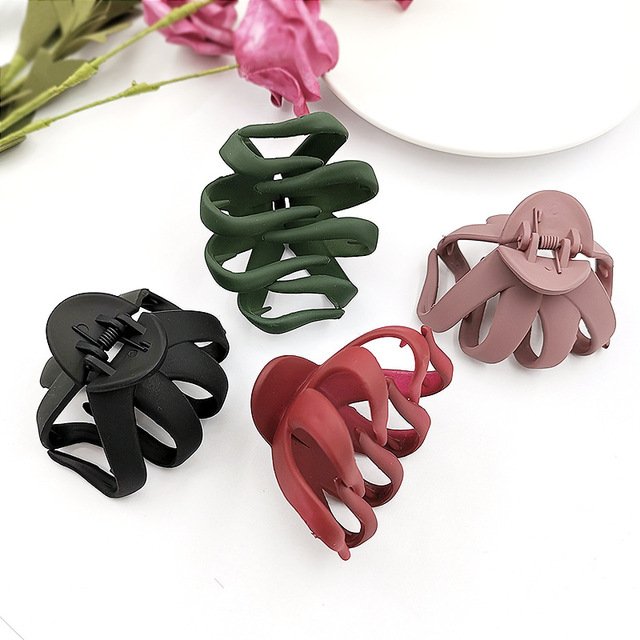 New Women Large Size Hair Claws Simple Matte Hairclips Ladies Solid Color Crabs Clamps Hair Styling Accessories Korea Style