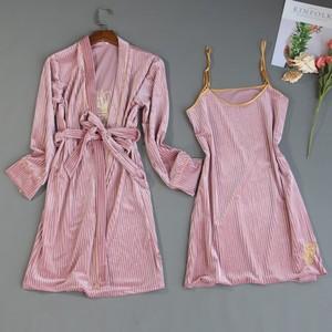Image 5 - 2019 herbst Winter 4 Stück Frauen Pyjamas Sets Samt Nachtwäsche Nachtwäsche Stickerei Pyjama Spaghetti Strap Schlaf Lounge Pijama