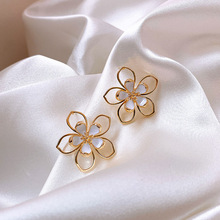 2020 New Arrival Gold Color Metal Hollow Out Flower Earrings for Women Sweet Daisy Big Floral Drop Earrings Statement Jewelry недорого