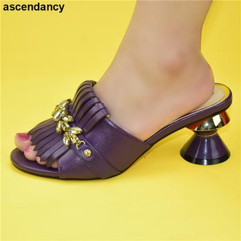 Najnowsze włoskie buty bez pasujące torby PU skóra wygodne pompy hurtownia dobra cena za buty bez torby buty afrykańskie tanie i dobre opinie ascendancy Pantofle Plac heel Wysoka (5 cm-8 cm) Pasuje prawda na wymiar weź swój normalny rozmiar Moda Metalu dekoracji