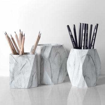 Nordic Marble biurko długopisy pojemnik na ołówki Case pojemnik na pędzle do makijażu pudełko typu Organizer Organizer na biurko akcesoria biurowe tanie i dobre opinie OOTDTY Żywica Nowoczesne ROUND Pen Holder FANTASTIC 1 Pc