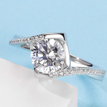 White Gold Plated 925 Sterling Silver Main Stone 1ct 6.5mm MoissaniteS Side Stone Cubic Zirconia Ring Jewlery M05B