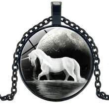 hot /  New Jewelry Statement Necklace Black and White Unicorn Creative Time Glass Convex Round Pendant Necklace Children's Gift lklrywbd popular color unicorn necklace unicorn round pendant necklace