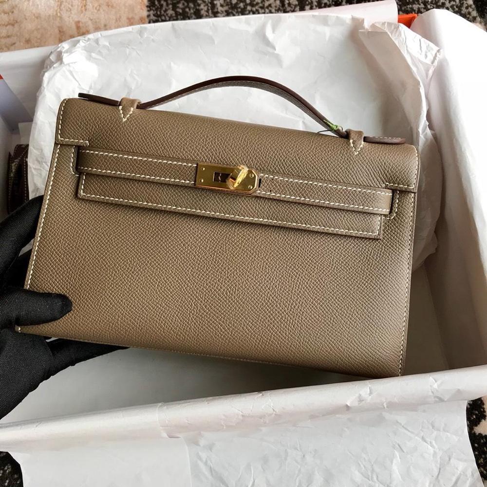คุณภาพสูงสุภาพสตรีแฟชั่นกระเป๋าถือคลาสสิก 100% หนังยี่ห้อที่มีชื่อเสียงสุภาพสตรี กระเป๋าถือฟรีเรือ-ใน กระเป๋าหูหิ้วด้านบน จาก สัมภาระและกระเป๋า บน   1