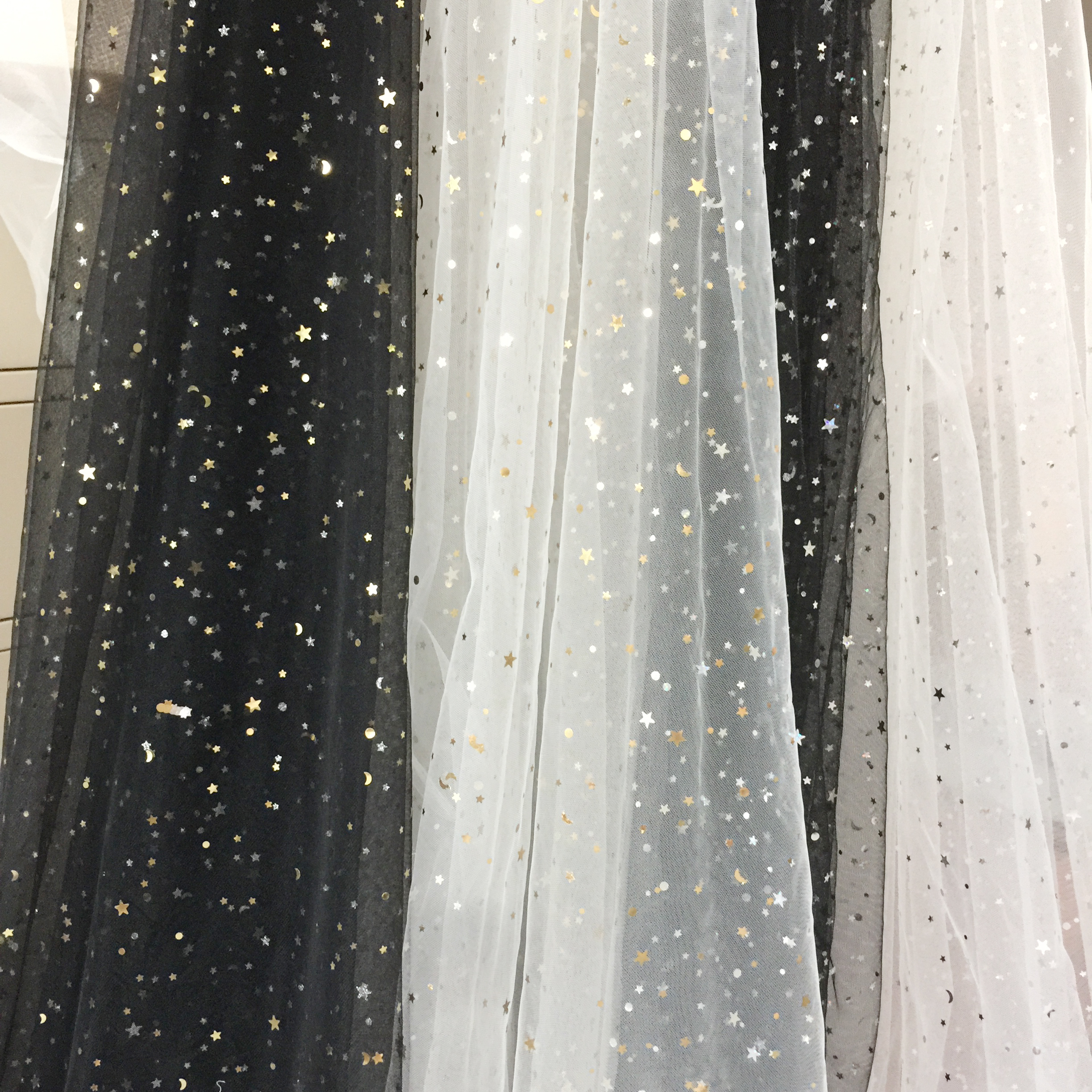 "1 MTR SOFT WHITE PEARL BEADED BRIDAL//DECORATION TULLE FABRIC..60/"" WIDE £9.99"