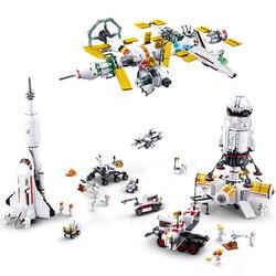 Rocket Base Launch Shuttle Satellite Astronaut Building Blocks  Nternational Space Station Spacecraft Bricks Kid Toys Gifts