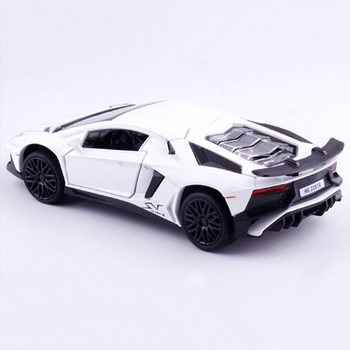Mini 1/32 Escala de aleación de sonido y luz coche de juguete die casting pull back modelo de juguete coche deportivo niños regalo colección en caja de visualización