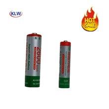 Haute efficacité énergétique et faible auto décharge Rechargeable 1.6V AA AAA Ni Zn batterie avec chargeur de batterie intelligent 2 voies