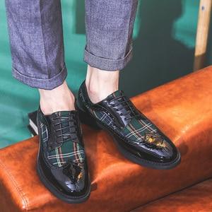 Image 4 - Misalwa chaussures Oxford à ailettes modernes pour hommes, couleurs vertes, rouges, personnalité, souliers en cuir verni, à bout pointu