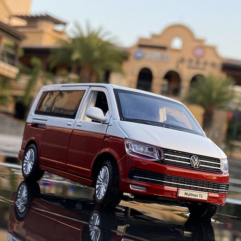 1:32 Zinc Alloy Bus Volkswagens Multivan T6 Alloy Car Model Diecasts MPV Car Model Sound and Light Simulation Childrens Toy Gift 1