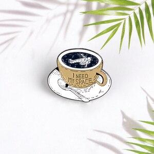 "Image 4 - משלוח זמן קפה סיכות ""אני צריך שלי חלל"" אסטרונאוט סיכות תגי תיק אביזרי סיכות תכשיטים מתנות עבור צוות חברים"