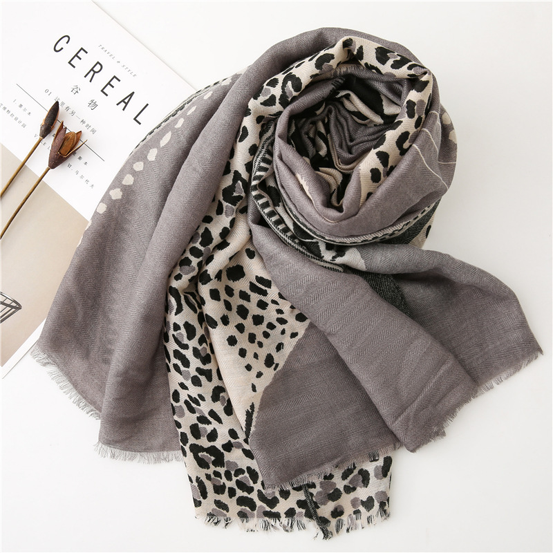 Image 2 - accesorios mujer chic green blue red grey leopard scarf women  autumn fashion long leopard pattern scarf Sjaal Muslim Hijab  SnoodWomens Scarves