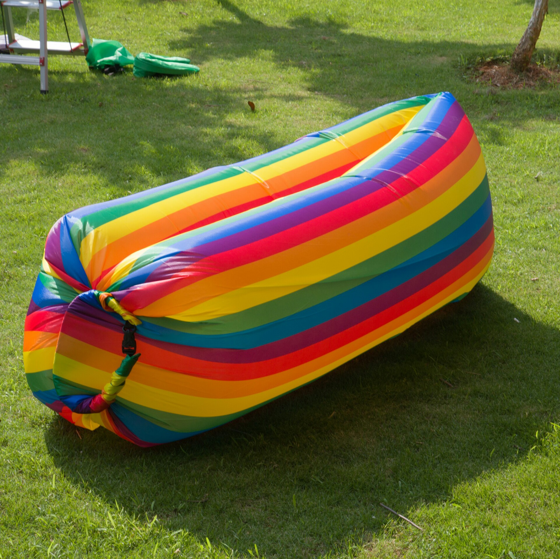 Fast Inflatable Lazy Sleeping Bag Portable Folding Beach Rainbow Air Bed Outdoor Lazy Inflatable Sofa Inflatable Air Sofa