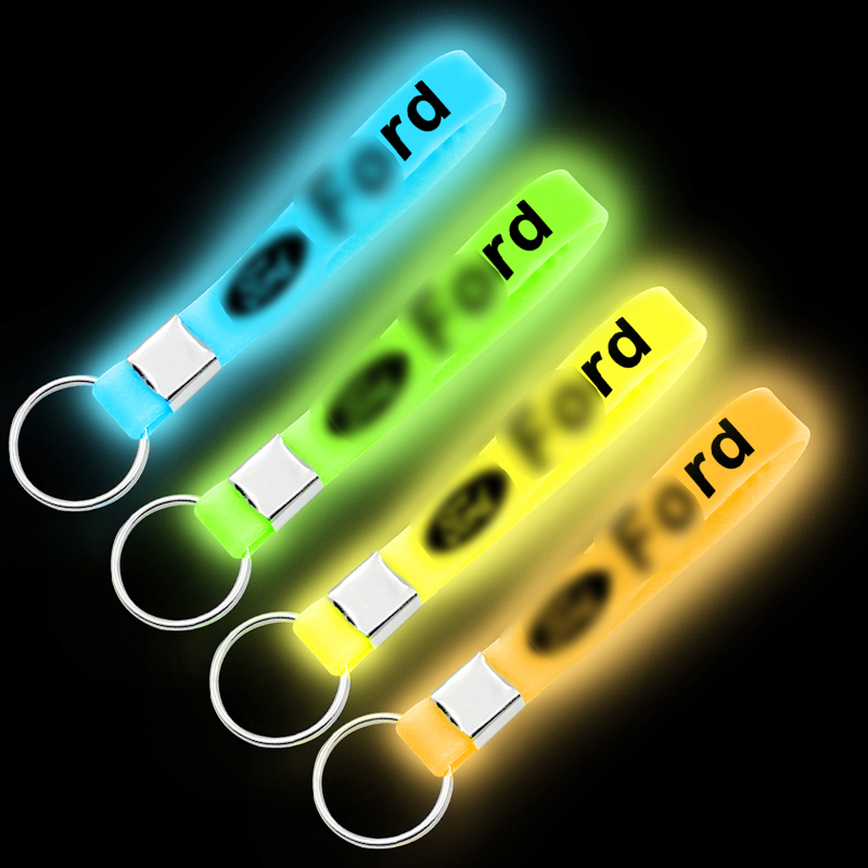 1pcs Luminous Silicone Car Keychain Car Badge Key Ring For Ford Mk2 Mk3 Mk4 Mk5 Mk7 Fiesta FOCUS 2 3 4 5 Car Accessories