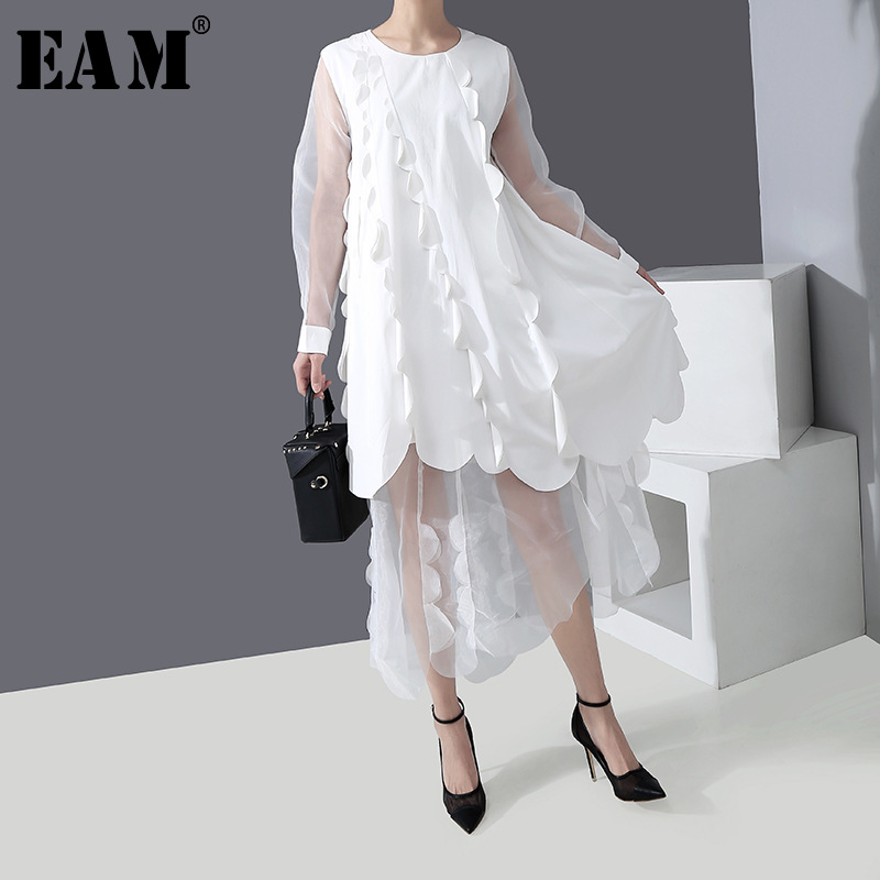[EAM] Women White Ruffles Split Mesh Big Size Dress New Round Neck Long Sleeve Loose Fit Fashion Tide Spring Summer 2020 1R303