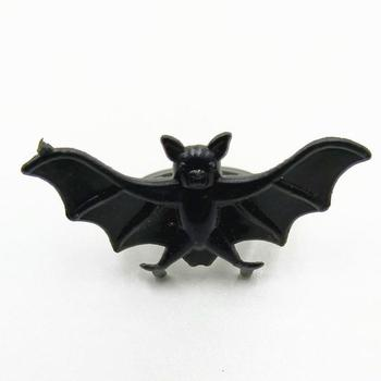 Halloween plastic bat rings, colored gemstone spiders, toy rings Funny toy rings image