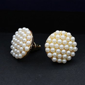 Round Pearl Refinement Fashion Vogue Stud Earrings Ear Hoop Jewelry Ear Decoration for Women Party Casual Ear Accessories image