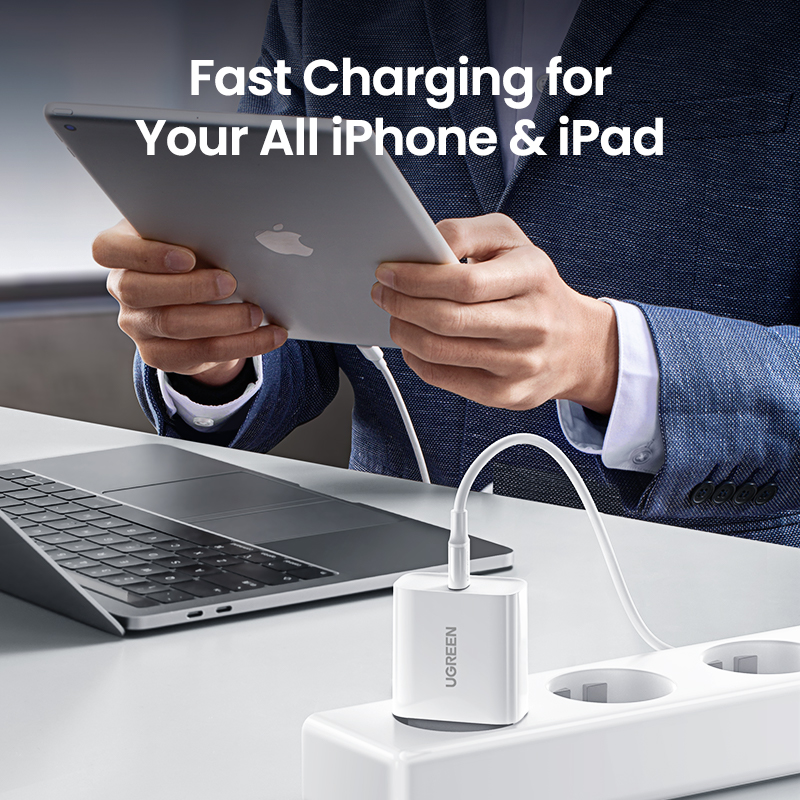 UGREEN Quick Charge 4.0 3.0 QC PD Charger 20W QC4.0 QC3.0 USB Type C Fast Charger for iPhone 13 12 Xs 8 Xiaomi Phone PD Charger 4