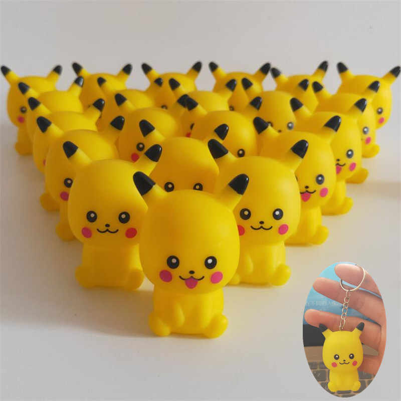 Nuevo juego de Anime Pokemon llavero Cosplay 3D Pikachu colgante chirriante juguete de lujo PVC Comicon divertido llavero regalo