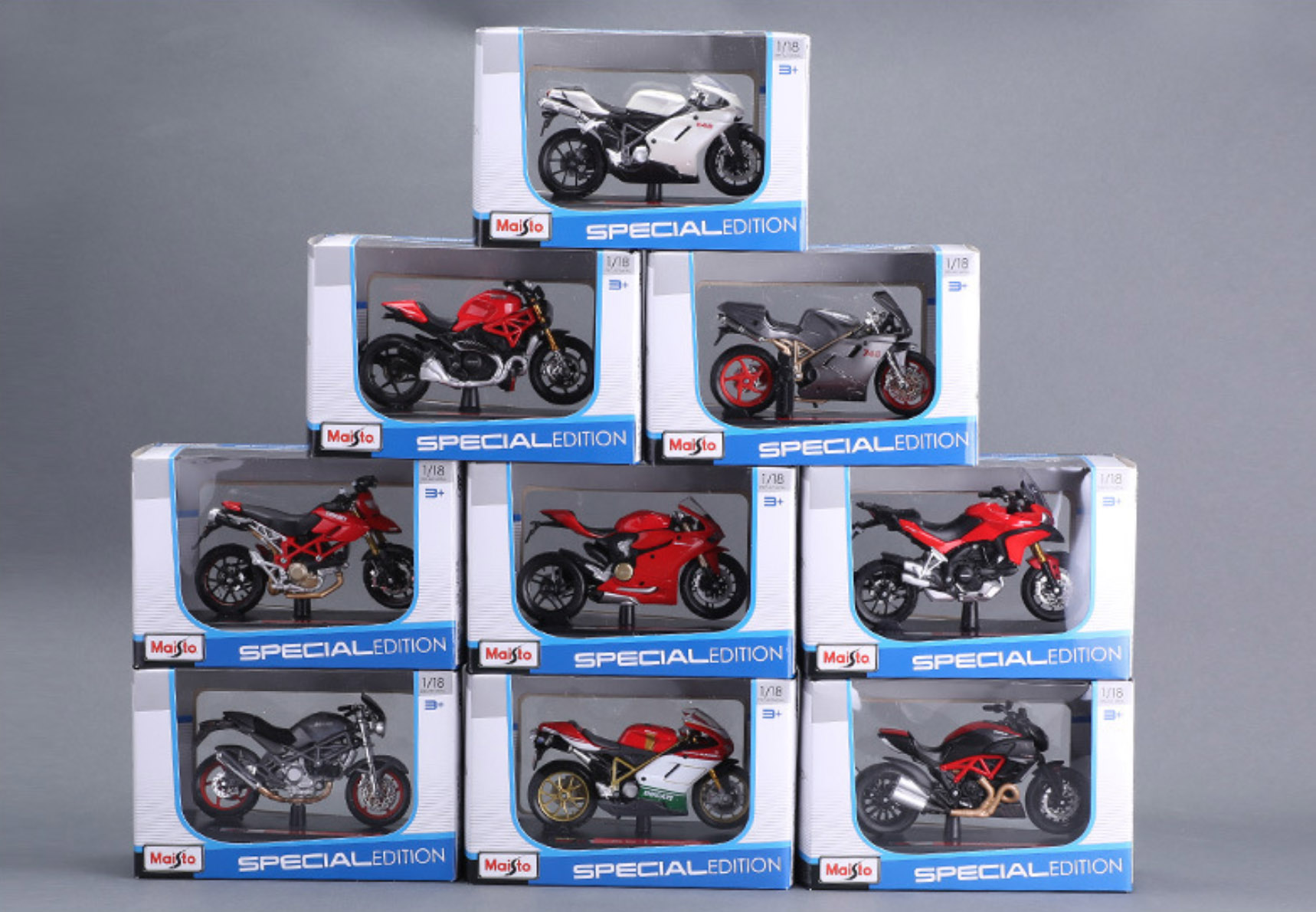 Maisto 1/18 1:18 Scale Suzuki Kawasaki Yamaha Triumph KTM Ducati Motorcycles Motorbikes Diecast Display Models Toy For Boys Kids