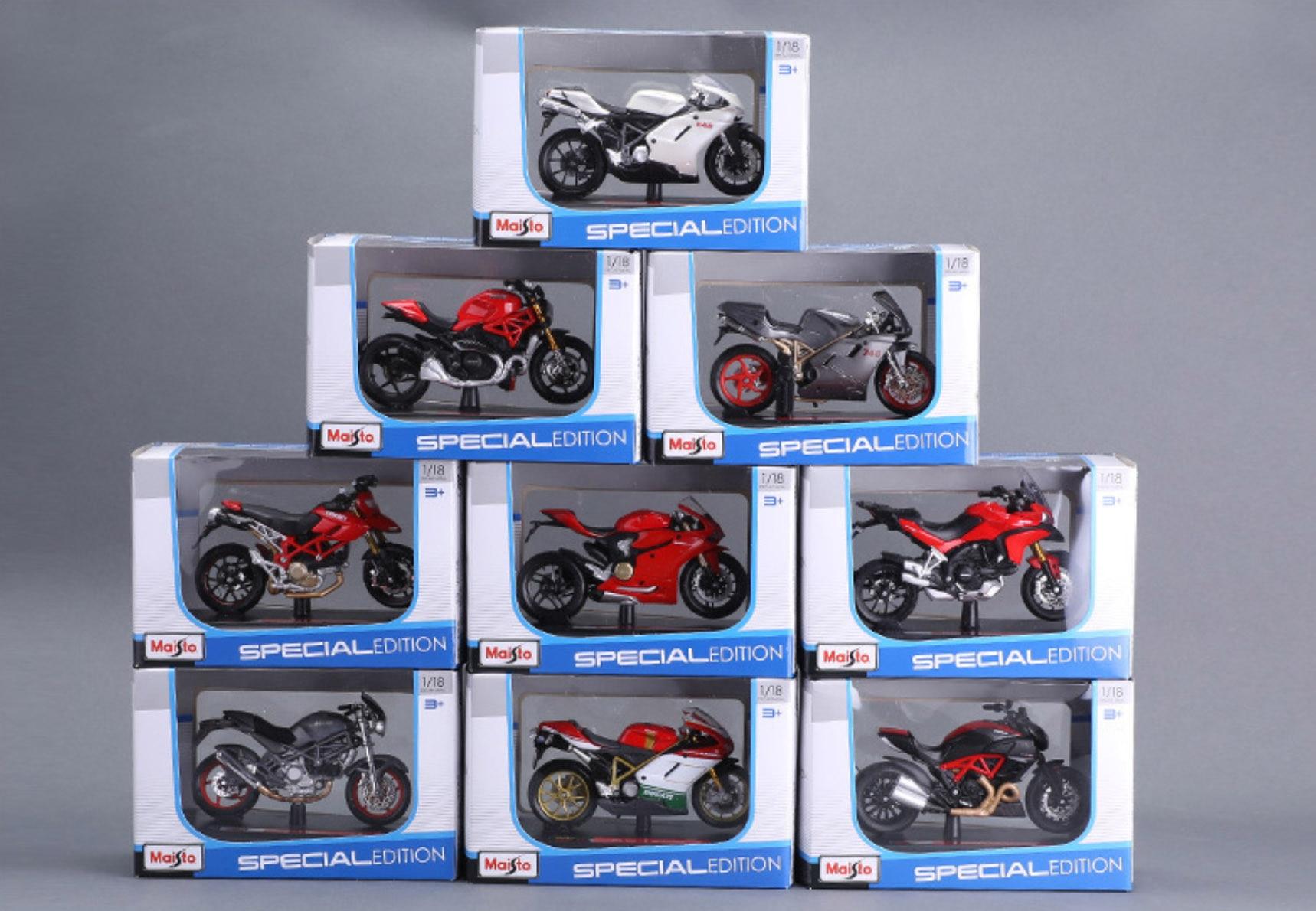 Maisto 1/18 1:18 Scale Suzuki Kawasaki Yamaha Triumph KTM Ducati Motorcycles Motorbikes Diecast Display Models Toy For Boys Kids