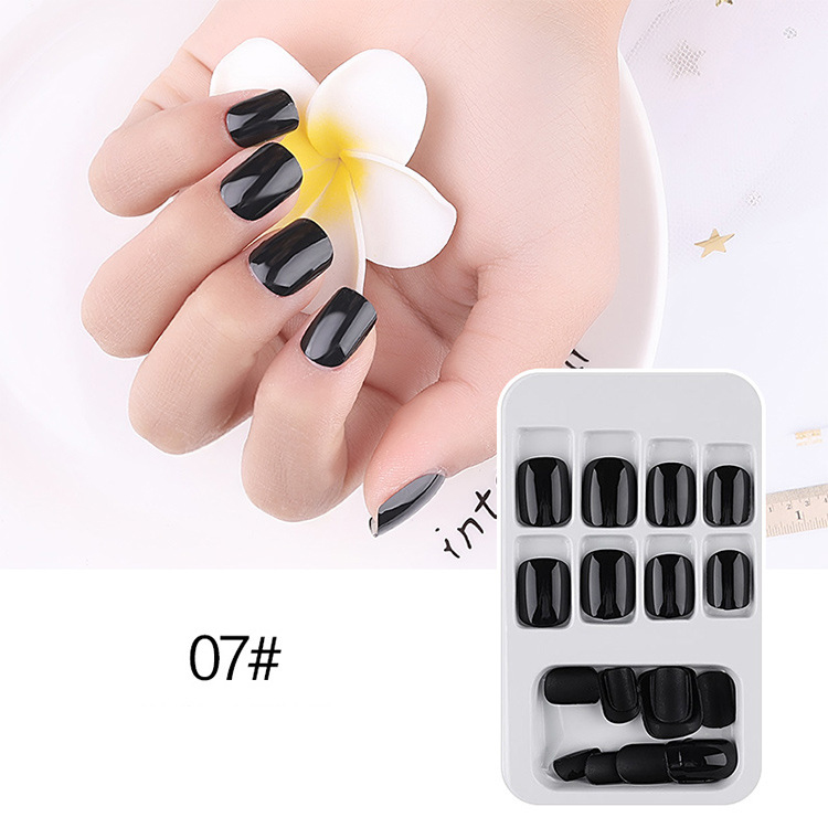 07短款方形黑