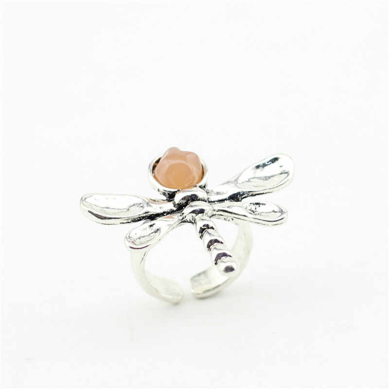 Sandrine แฟชั่นเครื่องประดับสุขภาพโลหะผสมสังกะสีชุบเงินโบราณ DRAGONFLY แหวนผู้หญิง Elegant Lady อุปกรณ์เสริม Charms