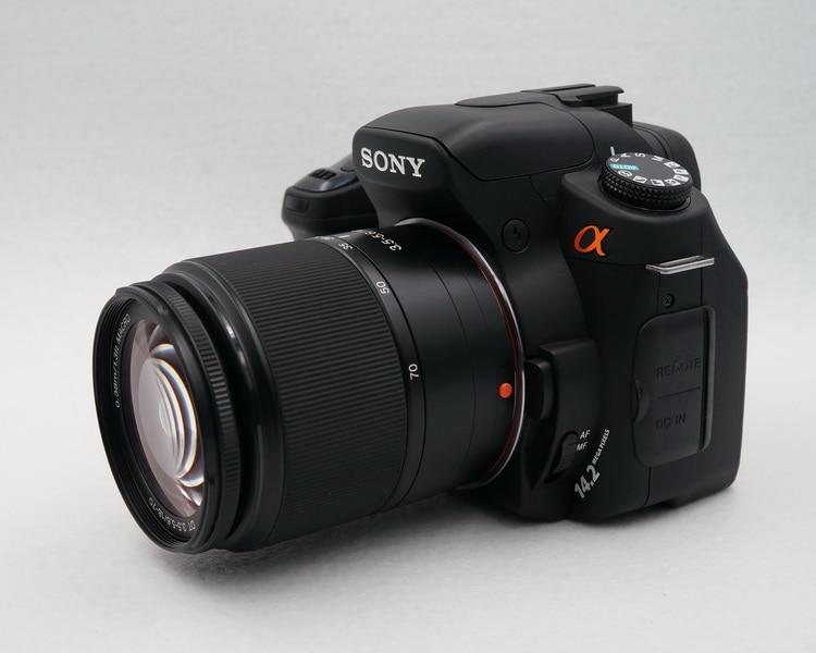 Б/у Sony Alpha DSLR-A350 14-мегапиксельная CCD, раскладной ЖК-дисплей, стабилизатор изображения с сенсорным переключением и встроенный беспроводной ко...