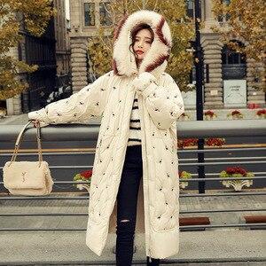 Image 4 - 100% piume danatra bianca giacca femminile modelli di esplosione di inverno di volpe naturale grande collo di pelliccia lungo tratto di spessore donna down jacket