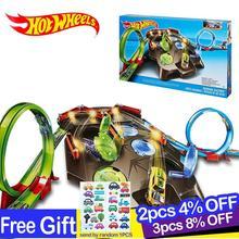 цена на Hotwheels Carros Track Model Cars Train Kids Plastic Metal Toy-cars-hot-wheels Hot Toys For Children Juguetes Gift For Kids