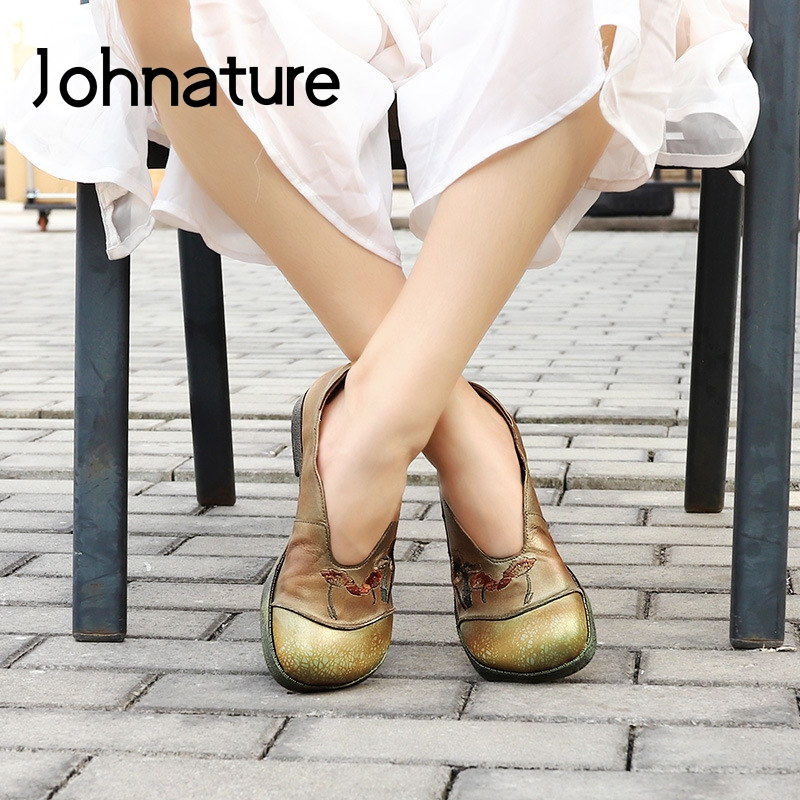 Johnature Genuine Leather Flats Women Shoes 2020 New Spring Retro Round Toe Slip-on Flower Shallow Concise Handmade Ladies Shoes
