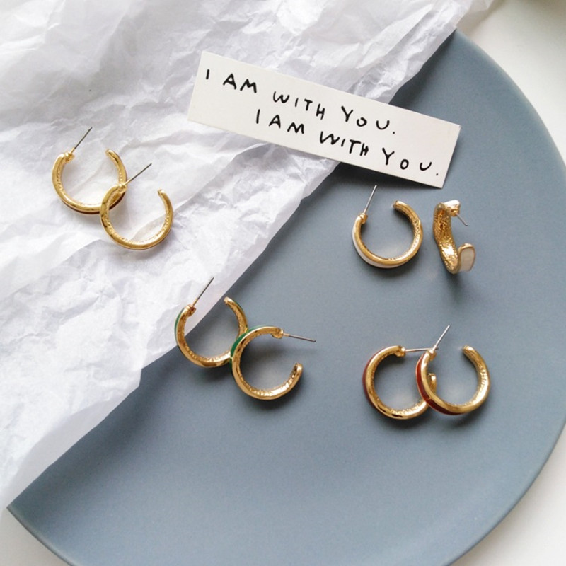 Creative fashion and personality C word shape earrings port of fair maiden wind restoring ancient ways earrings adorn article