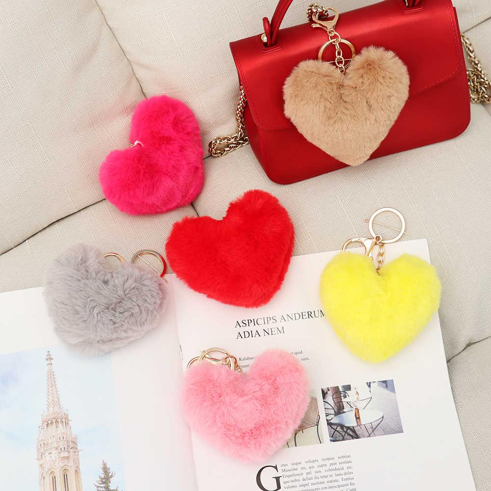 Женский пушистый помпон брелок, подарки Мягкая форма сердца помпон поддельный брелок для ключей Кролик шарик брелок автомобильный мешок аксессуары