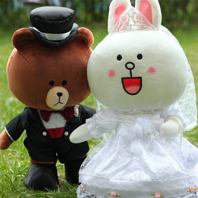 35cm couple Brown Bear Plush Toy Bunny Cony Dolls Rabbit in Wedding Gown Party high quality Gift for Bride and Groom