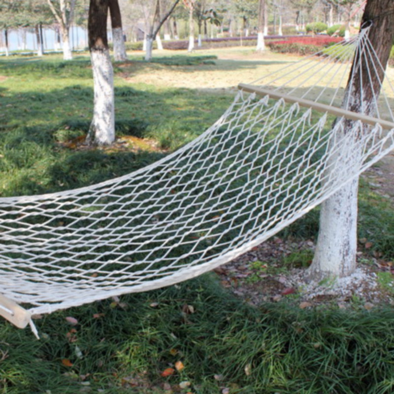 Outdoor Mesh Hammock Single Person Cotton Thread Solid Wood Rod Hammock Indoor Swing Wooden Stick Cotton Rope Double Hammock Str