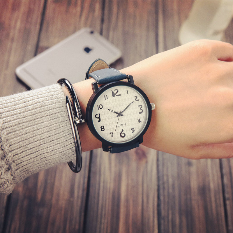 Women Watch 2019 Fashion Leather Band Ladies Quartz Wrist Watch Minimalist Round Dial Number Leather Band Watch Reloj Mujer Xfcs