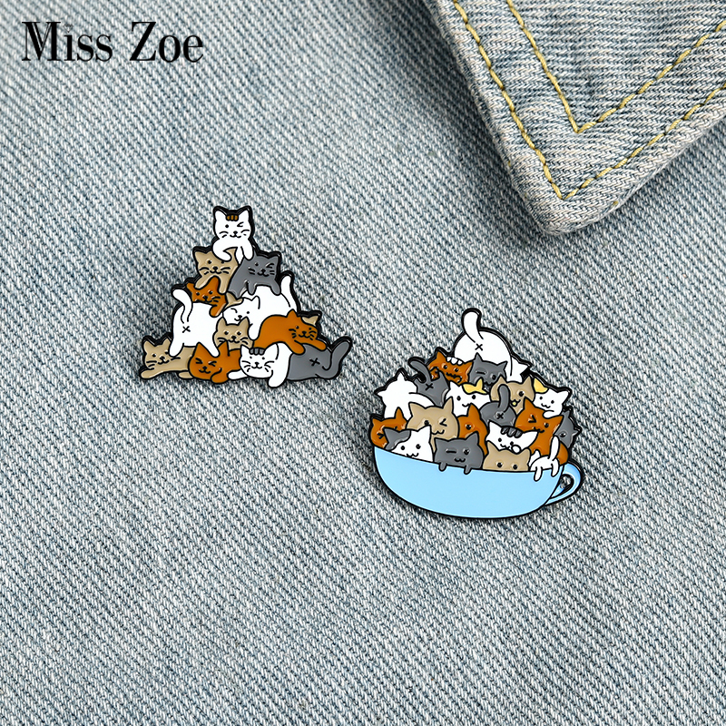 A Cup of Cats Enamel Pin Cat Coffee Cup Mug Brooches Bag Lapel Pin Cartoon Animal Kitten Badge Jewelry Gift for Kids Friends 1